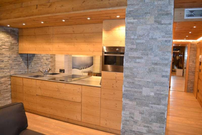 Realizziamo e arrediamo cucine soggiorni camere da letto bagni in stile moderno classico o rustico - Cucine in stile rustico ...